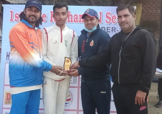 Anshuman and Aryan shine in the victory of Master Academy