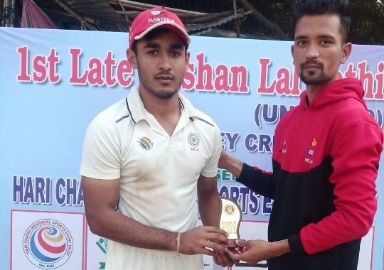 Sukrit and Aryan winning inning for master academy